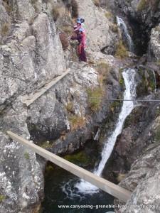 Poutres au dessus du canyon