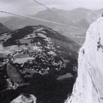 Tyrolienne avec vue sur Grenoble aux rochers des 3 pucelles, Vercors, Isère