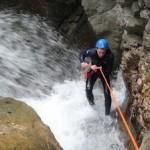 Rappel arrosé au canyon de la Pissarde en Vercors