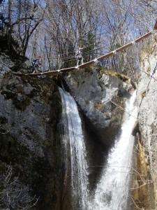 Passerelle au dessus du canyon de l'Alloix