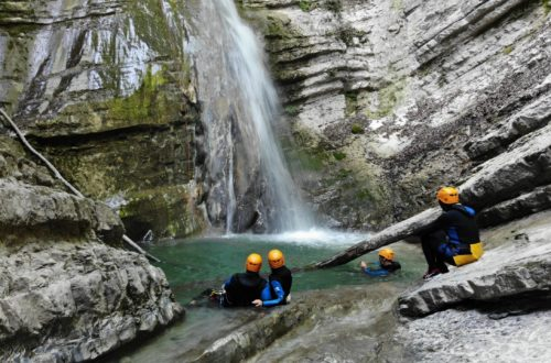 Article : Comment s'habiller pour faire du canyoning ?